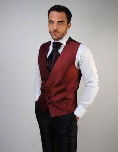 trajes-de-novio-detiqueta-chaleco-color-vino-madrid-zaragoza-2