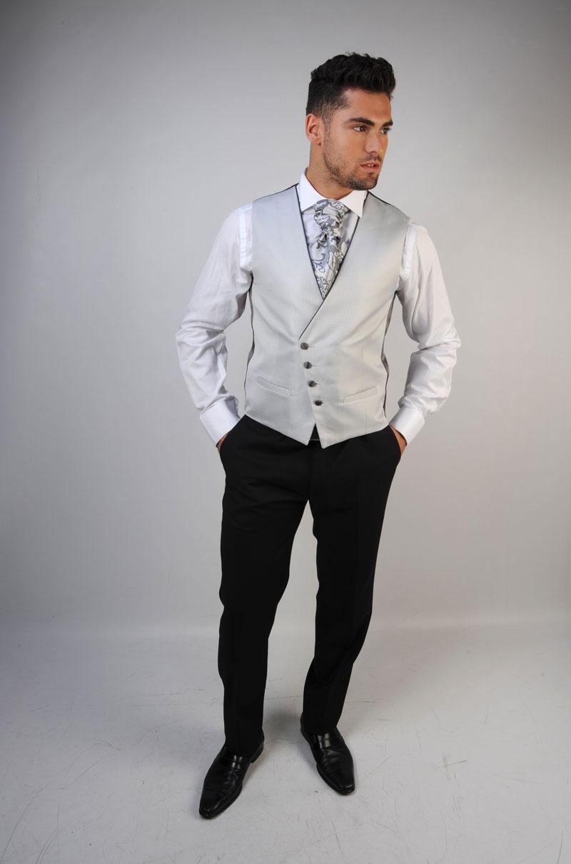 Chaleco-de-novio-color-gris-perla-trajes-de-novio-zaragoza-madrid-5