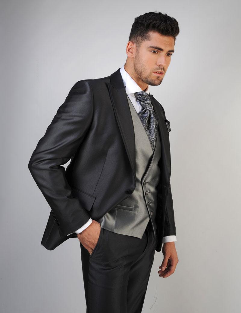 Chaleco-de-novio-color-gris-trajes-de-novio-zaragoza-madrid-1