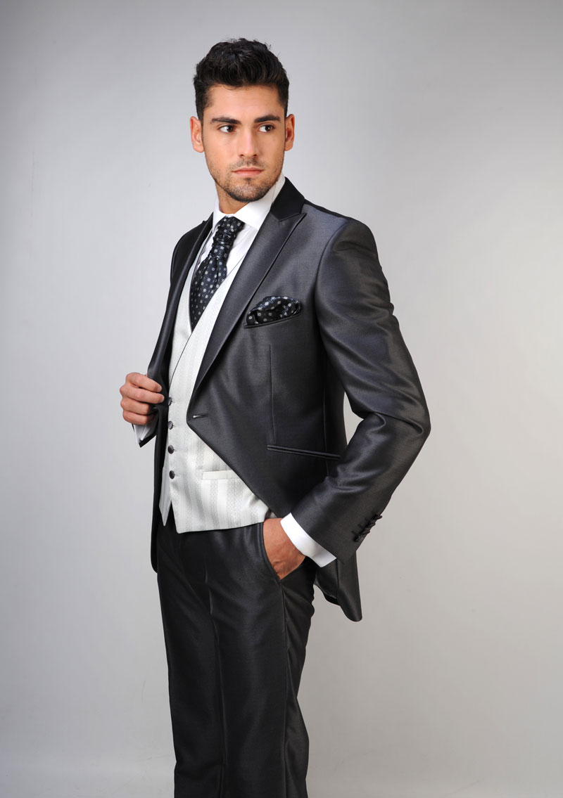 Chaleco-de-novio-color-gris-trajes-de-novio-zaragoza-madrid-10