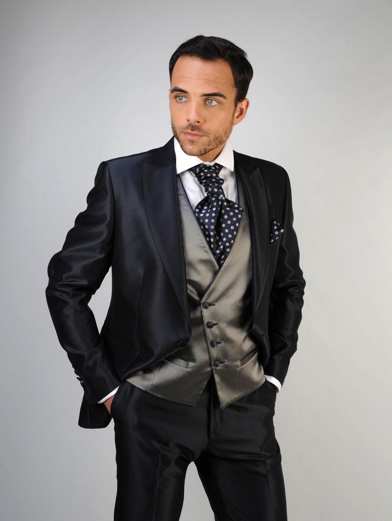 chaleco-de-novio-color-gris-trajes-de-novio-zaragoza-madrid-2