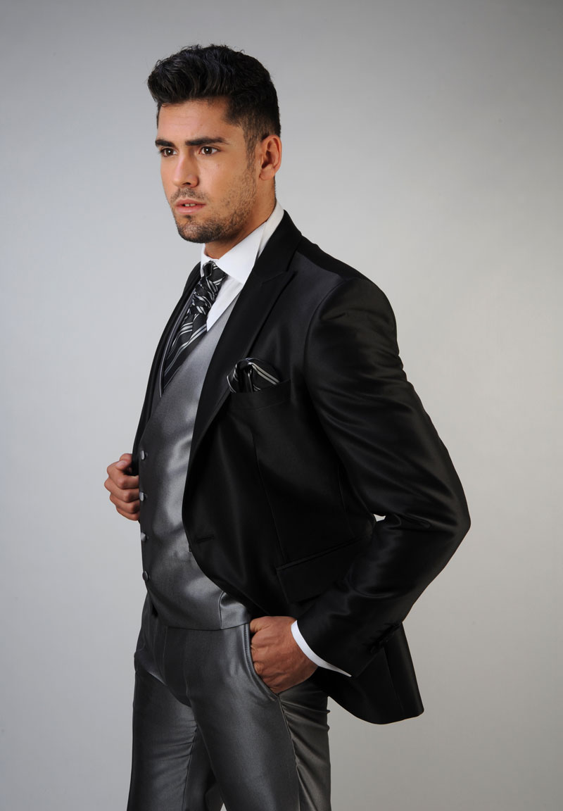 Chaleco-de-novio-color-gris-trajes-de-novio-zaragoza-madrid-4
