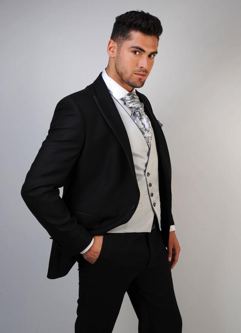 Chaleco-de-novio-color-gris-trajes-de-novio-zaragoza-madrid-7