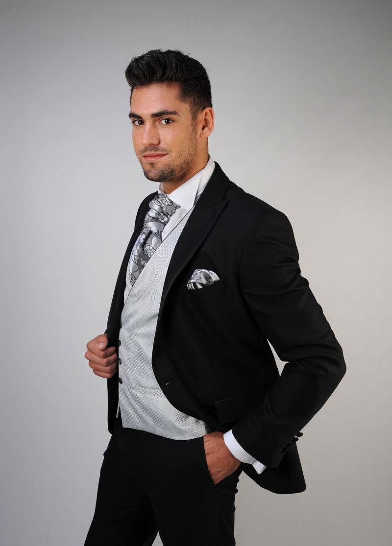 Chaleco-de-novio-color-gris-trajes-de-novio-zaragoza-madrid-8