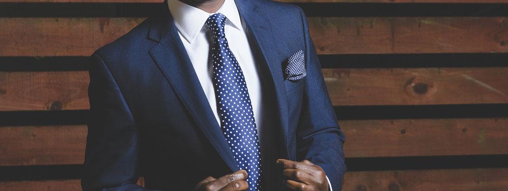 Cómo vestir al padrino de la boda