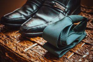 trajes de novio-padrino y complementos