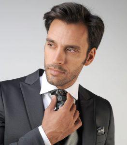 combinar corbata y traje de novio