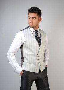 Chaleco-de-novio-color-gris-trajes-de-novio-zaragoza-madrid-9