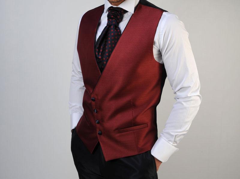 vestir-elegante-chaleco-rojo-Detiqueta-DressBori-Zaragoza-Madrid